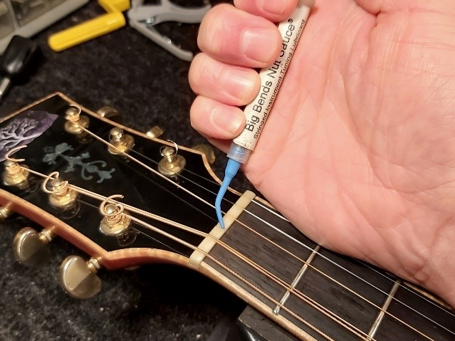 how-to-restring-a-guitar